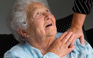 מופעל מועדון נייד - פרויקט ייחודי שבמסגרתו מגיעים המתנדבים לקשישים המרותקים לבתיהם ומנעימים את זמנם  . צילום: אילוסטרציה