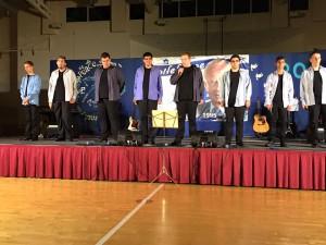 """להקת """"קולות אורט ביאליק"""" במופע. שרו לזכר רבין. צילום: דוברות ק. ביאליק"""