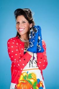 """אורנה בנאי במופע סטנד אפ ובידור חדש, שזור בשלל דמויות וחיקויים, על החיים המצחיקים של אימא חד הורית. צילום: יח""""צ"""
