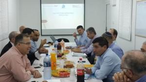 """ישיבת עבודה עם מנכ""""ל נתיבי ישראל וצוותו באתר הקמת שכונת נאות אפק. צילום: עיריית ק. ביאליק"""