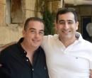 שלומי פורמן ויואב כהן במחווה מרגשת לצוותים הרפואיים. תמונה: אלבום פרטי
