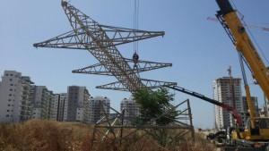 שלושה חודשים וכל קווי המתח העילים שנותקו מחשמל יוסרו. צילום: חברת החשמל