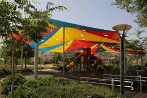 הסתיים פרויקט הצללת 42 גני ילדים וגני משחקים בעיר. צילומים: עיריית טירת כרמל