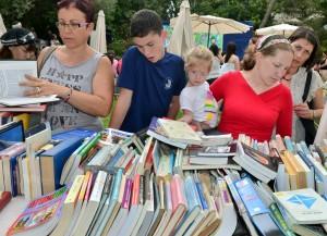 ביריד יוקמו דוכנים רבים להחלפת ספרים. צילום: עיריית חיפה