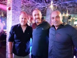 העולם מצחיק. מוטי כהן גל הראל ושלום אסייג במועדון הדאלי בקייב. אלבום פרטי