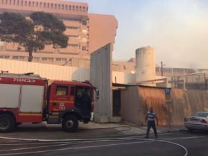 השריפה הגדולה גבתה מחיר הכבד גם מעובדי בית החולים. צילום: אלי דדון