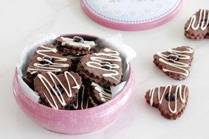 chocolate_and_berry_heart_cookies2-s