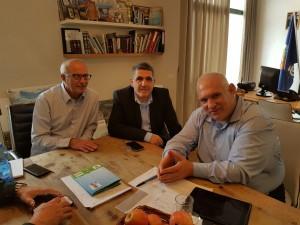 בתמונה: דנציגר, בינמו ומזוז.במשרד להגנת הסביבה מעוניינים להרחיב את התוכנית להפחתת זיהום אויר מתחבורה בחיפה, גם לערים הסמוכות, ביניהן לנשר