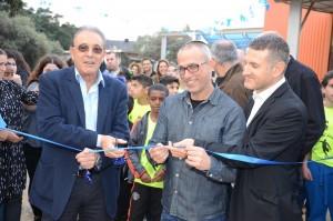 בתמונה: ראש עיריית טירת כרמל, אריה טל, בטקס גזירת הסרט למגרש הקט־רגל