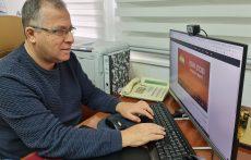 בתמונה: ראש העיר אלי דוקורסקי מבצע את המבחן. דוברות עיריית קרית ביאליק