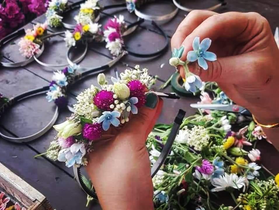 שזירת פרחים ליום האישה בעופר גרנד קניון חיפה. תמונה: יחסי ציבור